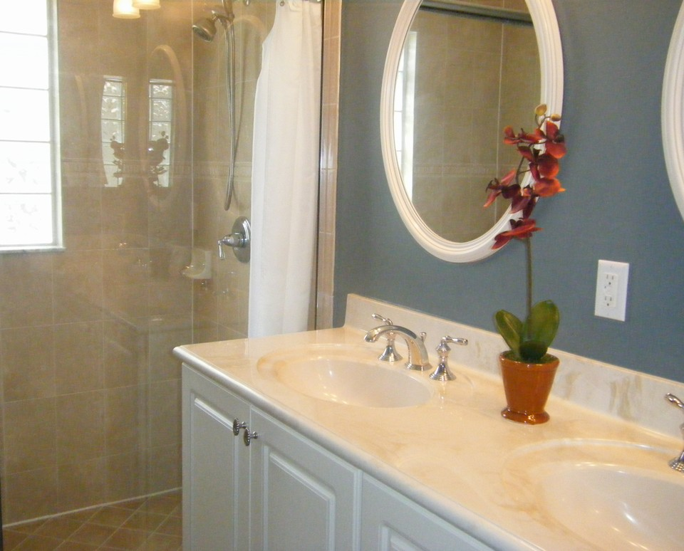 master bath, separate shower, his & her sinks with raised counters