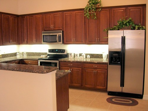 kitchen with granite & stainless appliances